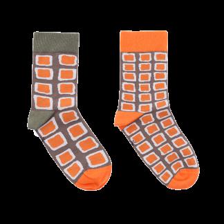 calcetines cuadros irregulares