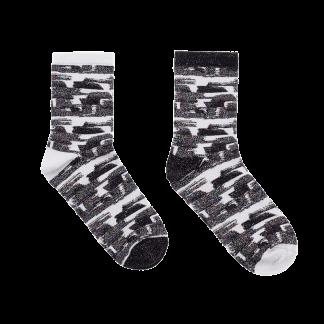 calcetines pinceladas negras